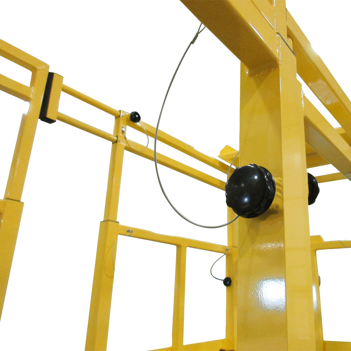 CH47 Chinook Helicopter – Daily Maintenance OSHA compliant, vertically adjustable handrails and horizontally adjustable guardrails for 100% fall prevention.