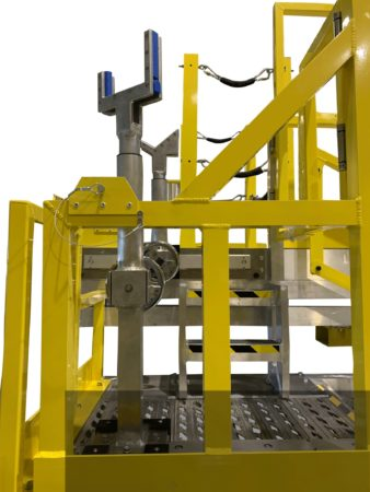 View of Spika MGSE - Shaft loading and position arms atop Landing Gear access platform.